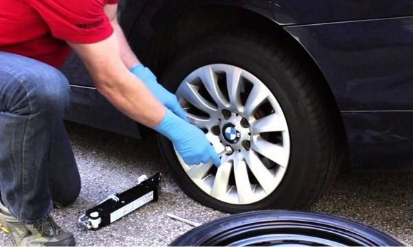Vá lốp xe ô tô