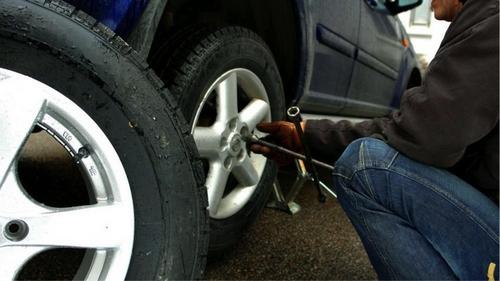 Cứu hộ lốp ô tô ở HCM
