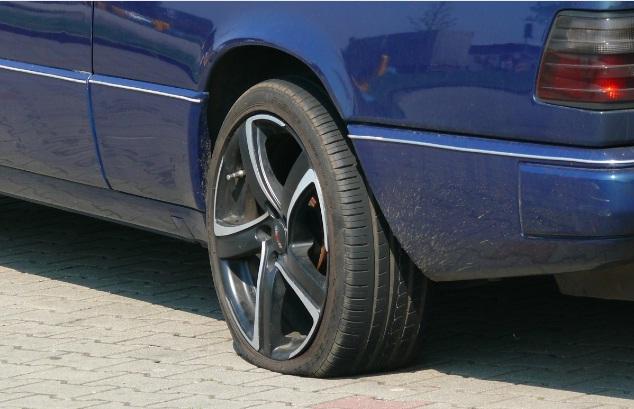 Cứu hộ lốp ô tô khẩn cấp