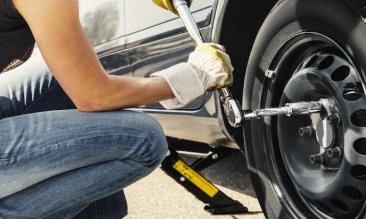 Cứu hộ lốp ô tô Phú Nhuận